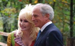 dolly parton and carl dean celebrate 50 years of marriage