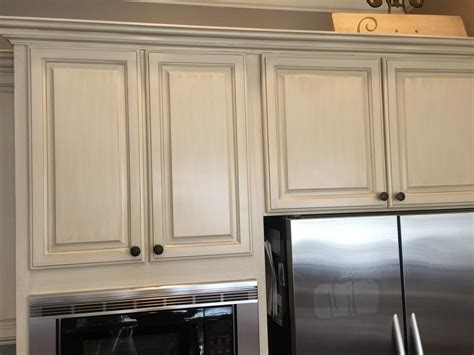 Sherwin Williams Antique White and Province Blue   2