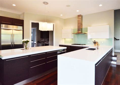 traditional contemporary kitchen battle of the kitchens modern vs traditional