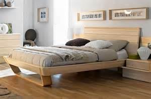 schlafzimmer bett 160x200 betten 160x200 holz mit seinen bettrahmen runde dass