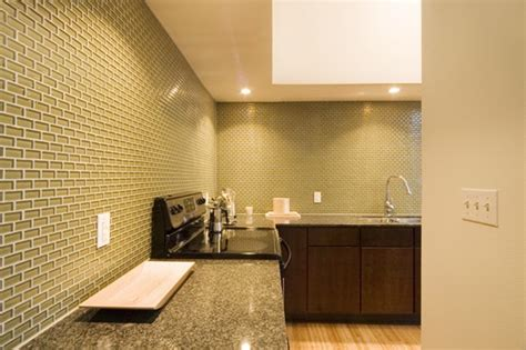 black glass tiles for kitchen backsplashes black glass subway tiles for backsplash
