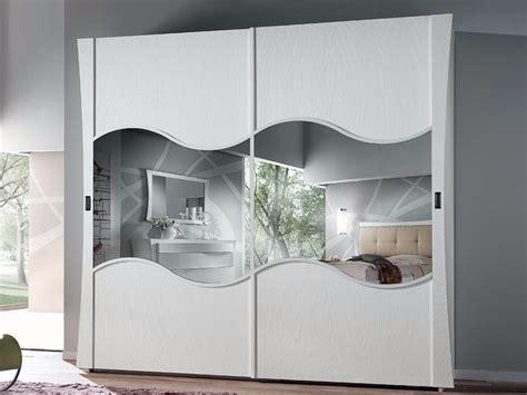 armadio con specchio ikea armadio con ante scorrevoli con specchio vela armadio