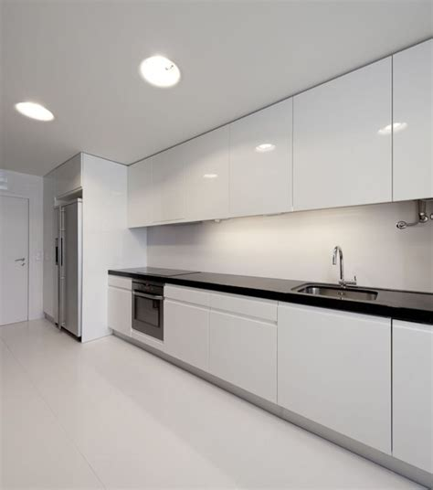 White Kitchen Cabinets Modern Best 25 Modern White Kitchens Ideas Only On Pinterest White Marble Kitchen Marble Kitchen