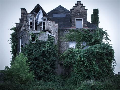 scariest haunted house the 13 scariest real haunted houses in america jpg