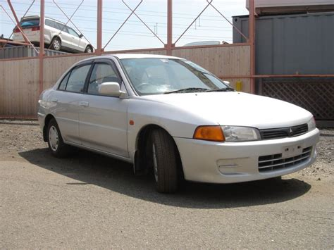 mitsubishi lancer saloon mitsubishi lancer mx saloon 1997 damaged for sale