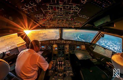 cabina di pilotaggio di un aereo foto scatti ad alta quota il fotografo 232 nella cabina di
