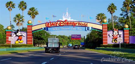 walt disney world resort hotels should you stay at disney resort hotels at walt disney world
