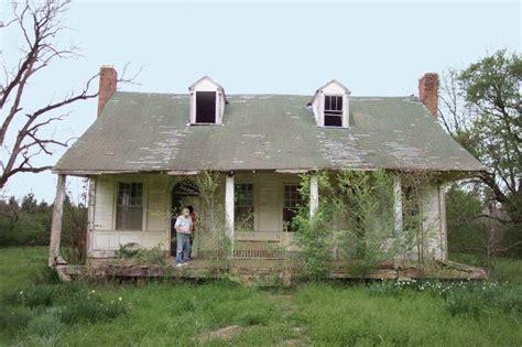 a historic mississippi farmhouse gets a stunning restoration