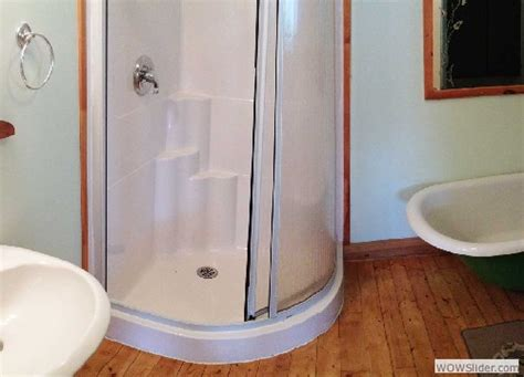 bathroom cruising signals 3 bedroom waterfront cottage for rent
