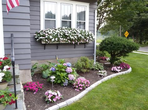 Small Flower Garden In Front Of House Pictures Of Flower Gardens In Front Of House