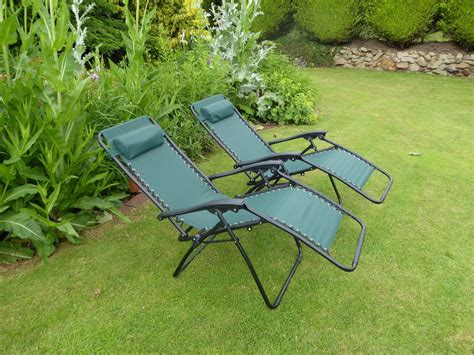 garden reclining sun loungers set of 2 garden chairs green sun lounger recliner chair