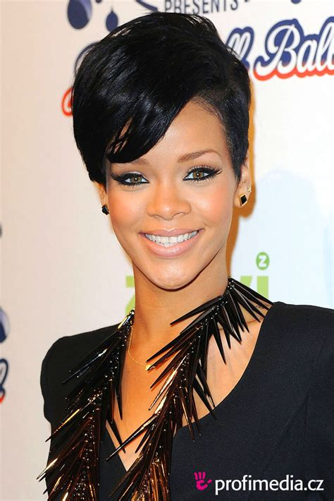 one sided black hairstyles rihanna coiffure happyhair