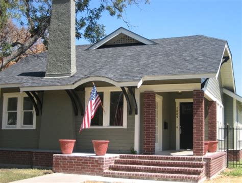 Small Home Size Salado Taupe And Brick House 562 215 425