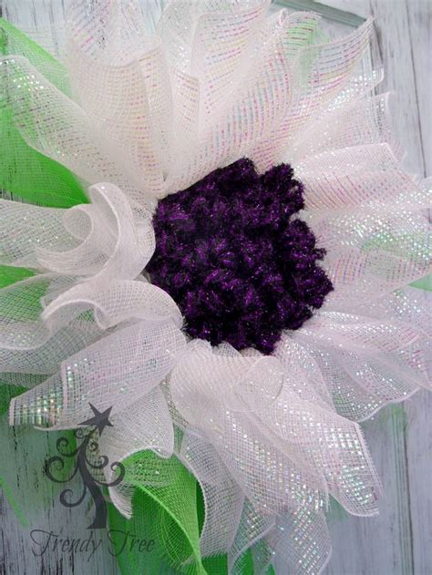 paper mesh flower wreath tutorial 17 best images about flower shaped wreaths on pinterest