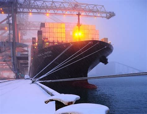 winter rubber sts sts qc ship to shore crane btg