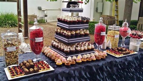 graduation display table cupcakes cake pops birthday cakes graduation frosted