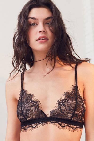 Brand New Kode 001 Tebal Lace Bra squeezes into skimpy swimsuit for new