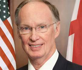Robert Bentley Alabama Governor Robert Bentley Resigns Pleads Guilty To