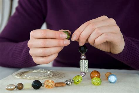 make home tips for making jewelry at home