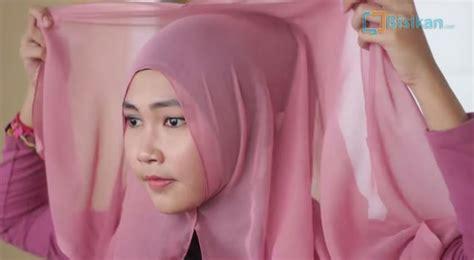 tutorial jilbab pashmina wajah bulat tutorial hijab pashmina page 4