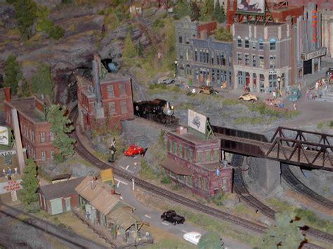 layout scene little toy trains ho scale model railroad industrial scene