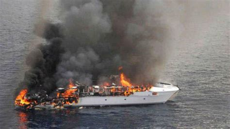 yacht on fire a boat caughts on fire in australian coast