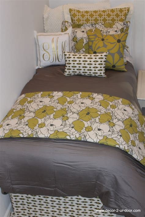 trendy bedding www decor 2 ur door com citron and grey dorm room bedding