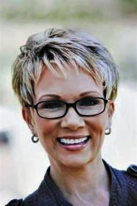 download short haircuts for women over 60 with glasses