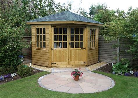Corner Summerhouse With Shed by Best 25 Corner Sheds Ideas On