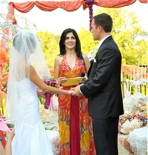 Wedding Officiant Attire Etiquette by Officiants Bring Wedding Theme To The