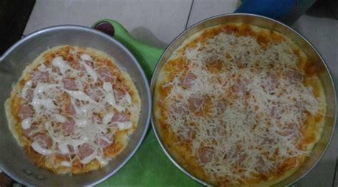 cara membuat pizza pakai teflon resep cara membuat pizza kukus tidak lembek