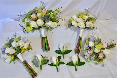 Premade Wedding Flowers by Premade Wedding Bouquets