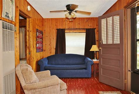 one bedroom 1 5 bath cabin with wrap around porch and 2 bedroom resort cabins in minnesota