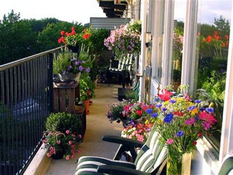 beautiful balcony gardens dig this design 21 green ideas for beautiful balcony decorating with flowers