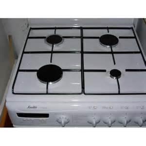 cuisini 232 re equipee blanche cuisini 232 re 4 feux gaz four