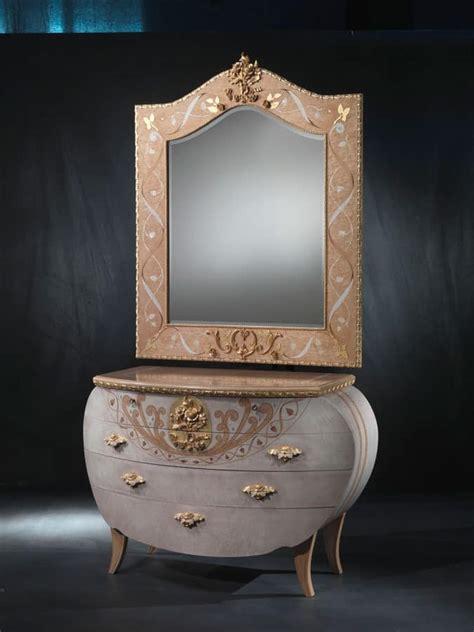schlafzimmer vanity kommode klassische kommode holz blattgold verzierungen idfdesign