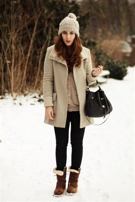 Fashion Newsletter Snow Chic by 17 Best Ideas About Snow Boots On Snow