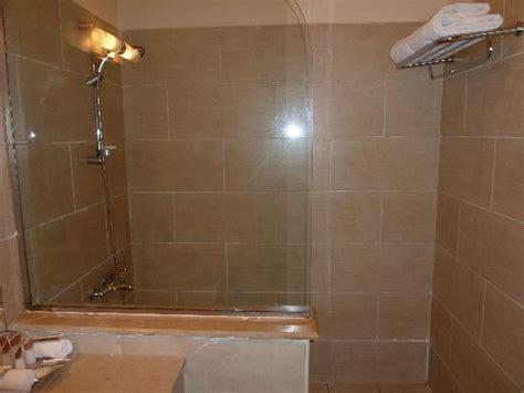 Oversized Walk In Showers Walk In Showers Www Imgkid The Image Kid Has It