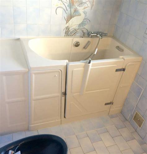 installation d une baignoire 224 porte vallon xl avec une
