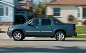 2012 Chevrolet Avalanche 2012 Chevrolet Avalanche Reviews And Rating Motor Trend