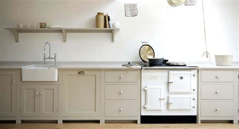 shaker kitchens  devol handmade painted english kitchens