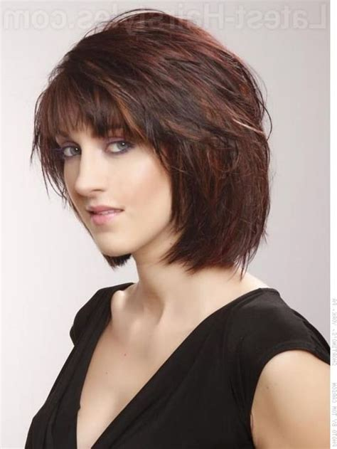 ways to style chin length hair 25 best ideas about feathered hairstyles on pinterest