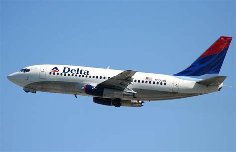 Delta Airlines R by Fly With Us Top Ten Airlines In Usa