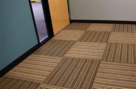 quadratischer teppich versatility carpet tiles rubber backed carpet tile squares
