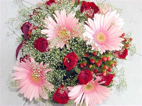 pretty flowers for valentines day beautiful flowers for valentines day flower picture