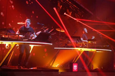 disclosure house music disclosure s caracal show ushers in new era of house music