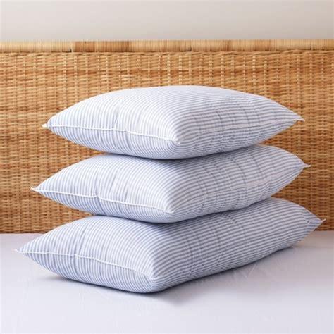 laver ses oreillers des conseils utiles pour laver les oreillers et les coussins