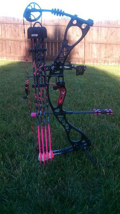 hoyt charger vicxen edition for sale hoyt vicxen charger set up archery with the sis