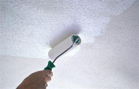pittura soffitto soffitto della pittura fotografia stock immagine di rullo