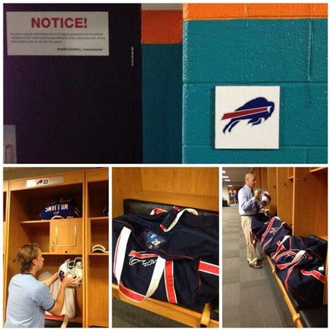 bills locker room buffalo bills on quot setting up the bills locker room almost gameday bufvsmia http